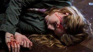 少女被恶魔诅咒 母亲搭救不成被反噬 二人均得给恶魔开胃