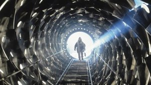 人类制造黑洞竟闯入恐怖世界! 5分钟看完科幻恐怖片《黑洞表面》!