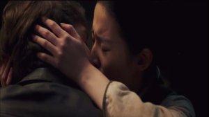 《烽火芳菲》全国上映,它不仅仅是电影,更像是一部纪录片!