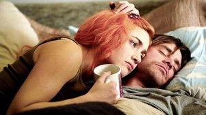 忘记你,等于忘记我自己,金凯瑞牵手温斯莱特回温爱情点滴