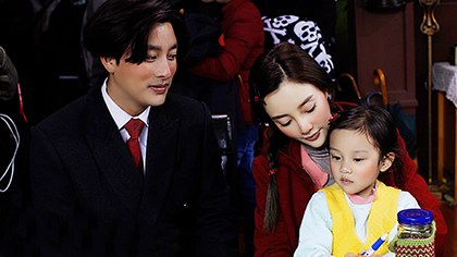 李小璐当着孩子面说老公是精神病,贾乃亮不敢反驳