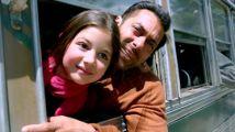 五分钟带你看完温情剧情片《小萝莉的猴神大叔》一个找父母的故事