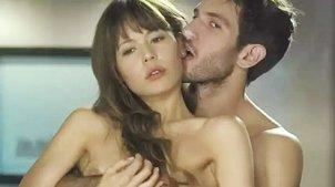 美女躲密室意外偷窥到男友与新欢,这下悲剧了!