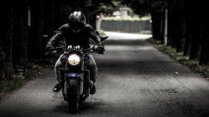 摩托车狂人:宗勃宇