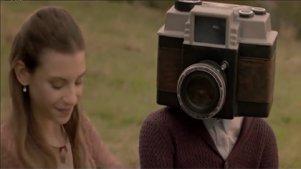 妇女居然生下来个摄像机!这脑洞服了