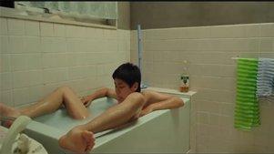 男生用自己的嘴解决生理问题,日本电影脑洞就是大!