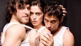 西班牙电影节节操尽碎,三角恋玩这样!