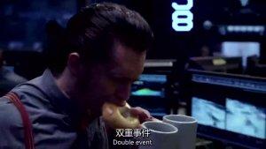 两只来自虫洞的外星怪兽袭击香港,机甲猎人也挡不住