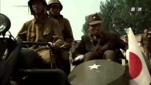 汉奸跟日军起冲突,敢用枪指着鬼子的头