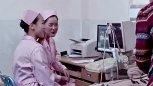 带媳妇做产检却无视媳妇和美丽护士勾搭起来!