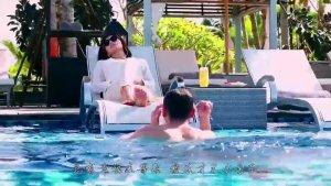 刘涛和杨烁海边度假,真心配一脸。