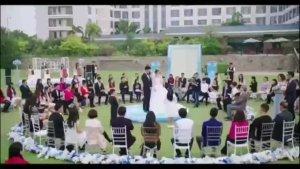 前任男友在婚礼上唱了一首歌,新娘哭成泪人