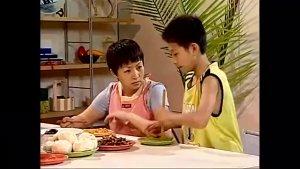 《家有儿女》小雪向刘梅撒娇要刘星道歉,一家人的对话笑的肚子疼