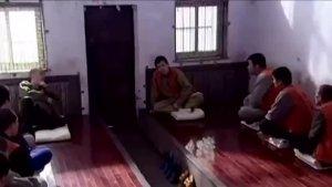 赵本山监狱里忽悠劳改犯们,一群人给整的一愣一愣的