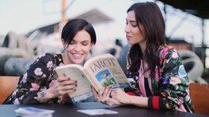 Ruby Rose 与女友Jessica Origliasso解读塔罗牌!