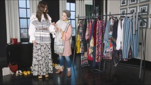 Demure dressing with Ascia : 丝绸故事