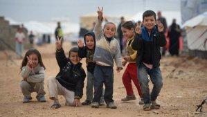 这些照片都是难民营儿童拍摄的