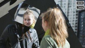 这群人头戴镜面立方体走在纽约街头,进行街头实验