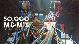 音乐天才的超级脑洞!50000颗M&M巧克力豆做乐器,竟然这么全能
