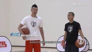  NBA教学 法国小跑车必再次轰呜!帕克虚晃转身上篮教学 