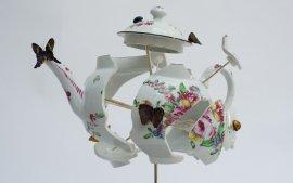 皇室丢弃的陶瓷碎片,被他捡起来拼贴出天价艺术品!