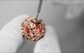 你想拥有同一款迪奥戒指和耳环吗?