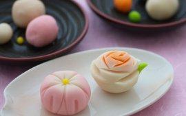 这块在唐朝时传过去的糕点,竟被日本人吃出了花儿