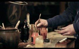 25岁年轻工匠,用一生修复百年古董老家具