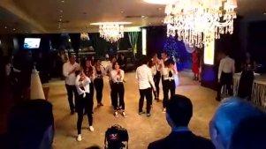现在开Party都在跳《Seve》舞蹈,看来年会有节目了!