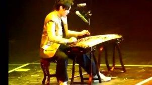 周杰伦王力宏现场古筝演奏,没看过真是不敢相信技艺高超