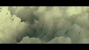 一大群战机进行混战,密密麻麻,下面还有高射炮进行精准打击
