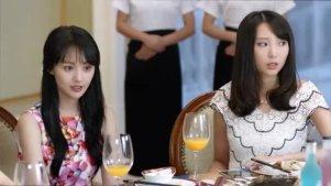 微微聚会被质疑,杨洋的出现让在场的女生都产生嫉妒之心。