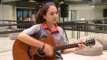 《为爱所困》中pun的腐女妹妹pan吉他自弹自唱--你是我的了