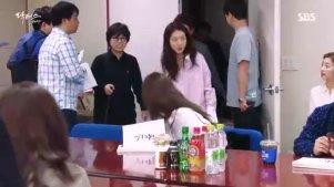 《Doctors》金来沅、朴信惠第一次台本练习现场花絮,小萝莉超可爱!
