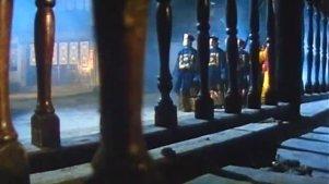 僵尸队来到镇上安顿,会隐形的僵尸要特别招待