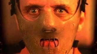 大家还记得这个面罩吗?恐怖面罩背后的人才更可怕